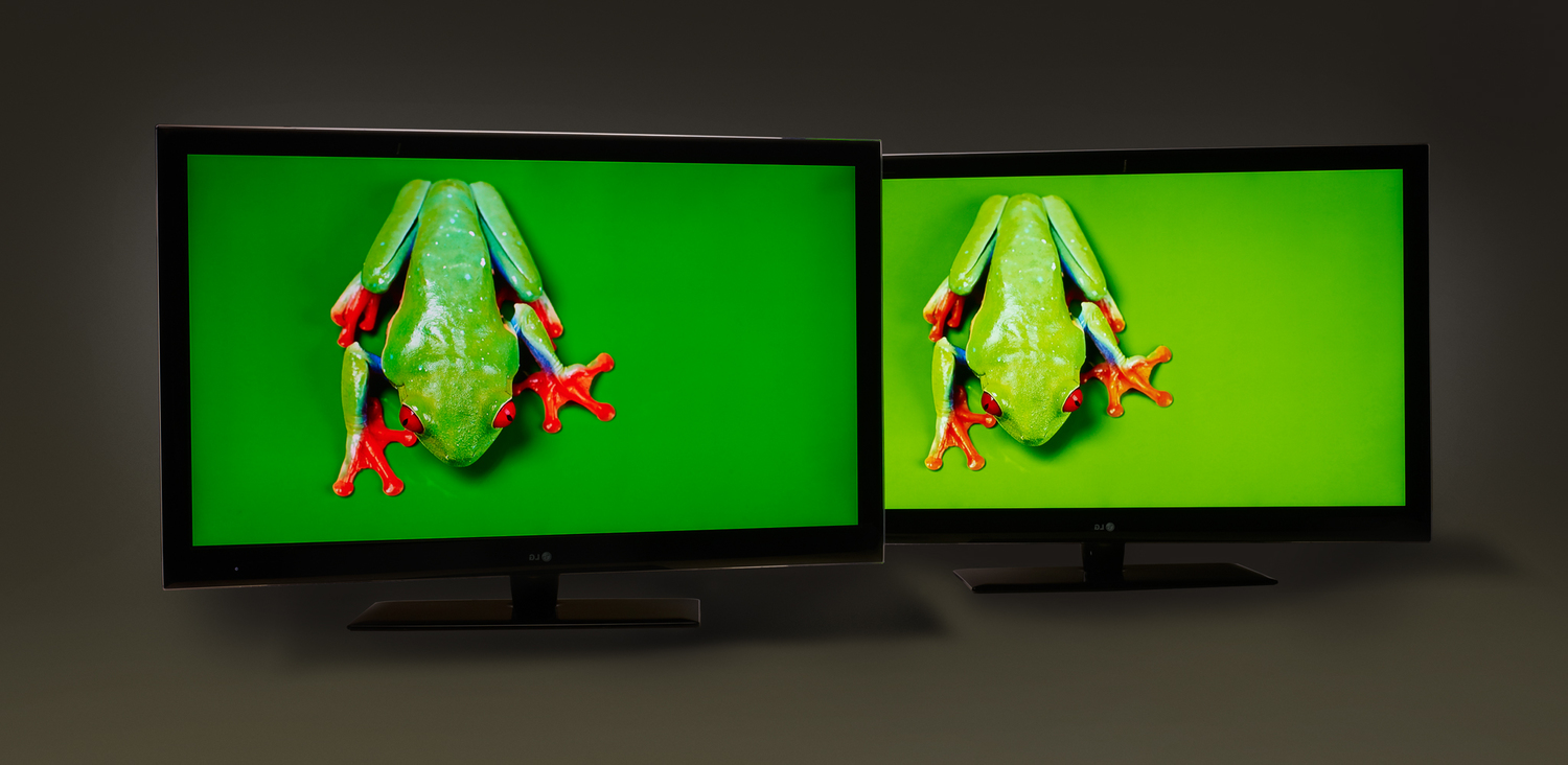 Quantum dot enhanced television (left) compared to standard LCD television (right) (Image Source Nanosys)